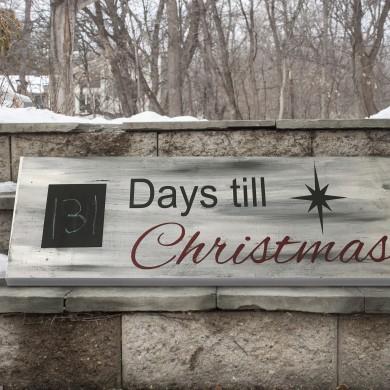 Days 'Till Christmas 8x24